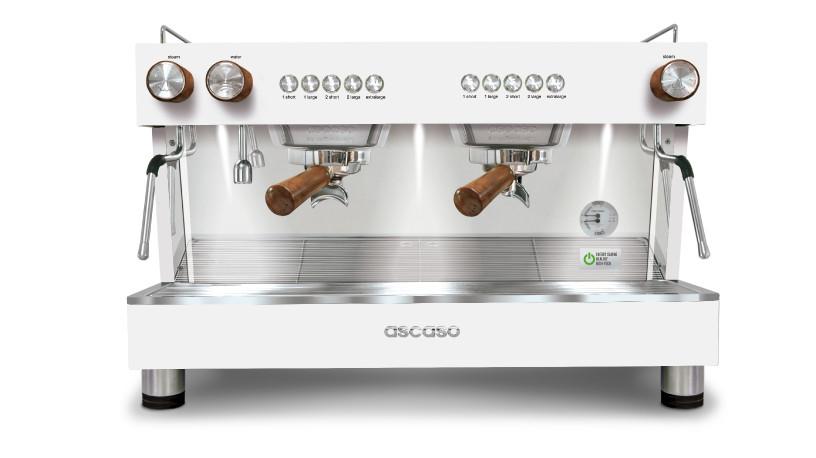 آلة الاسبريسو أسكاسو باريستا تي بلس بمجموعتين - أبيض باكسسوارات خشبية